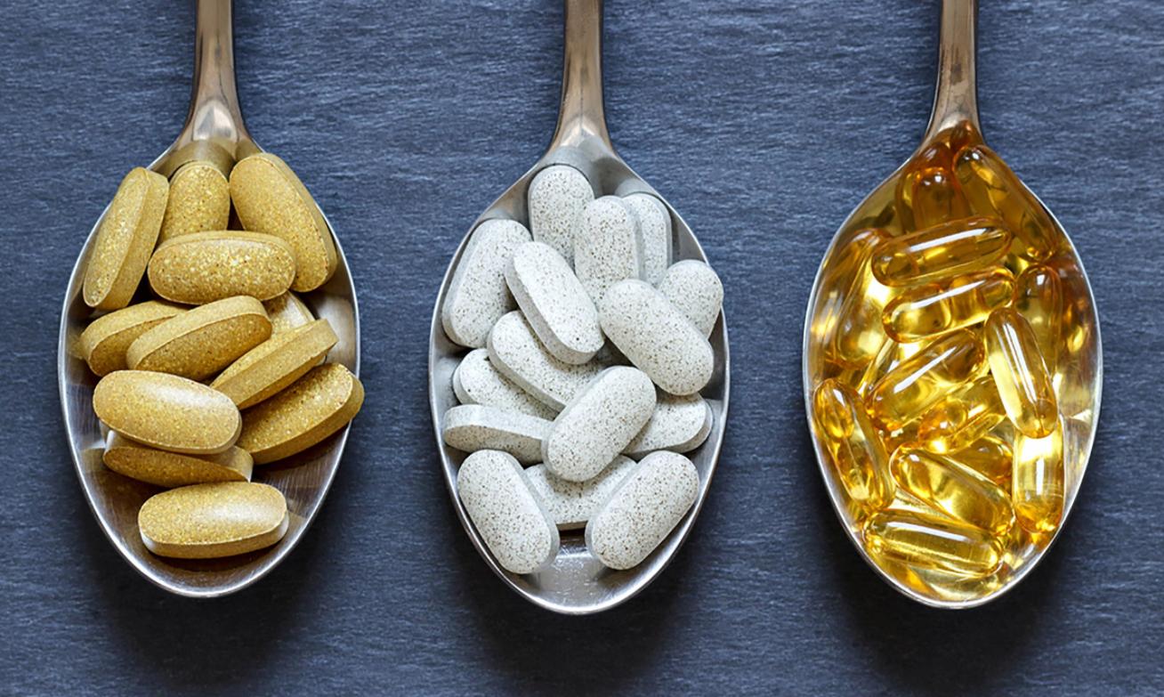 Complexos vitamínicos e minerais: Pessoas saudáveis devem consumir?