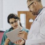 Qual médico cuida do pâncreas? Saiba quando e por que procurar um especialista